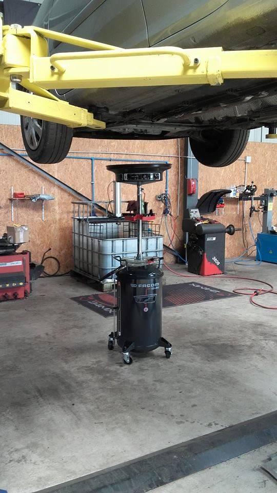 Garage pour l 39 entretien de v hicules personnels et for Garage pour entretien audi