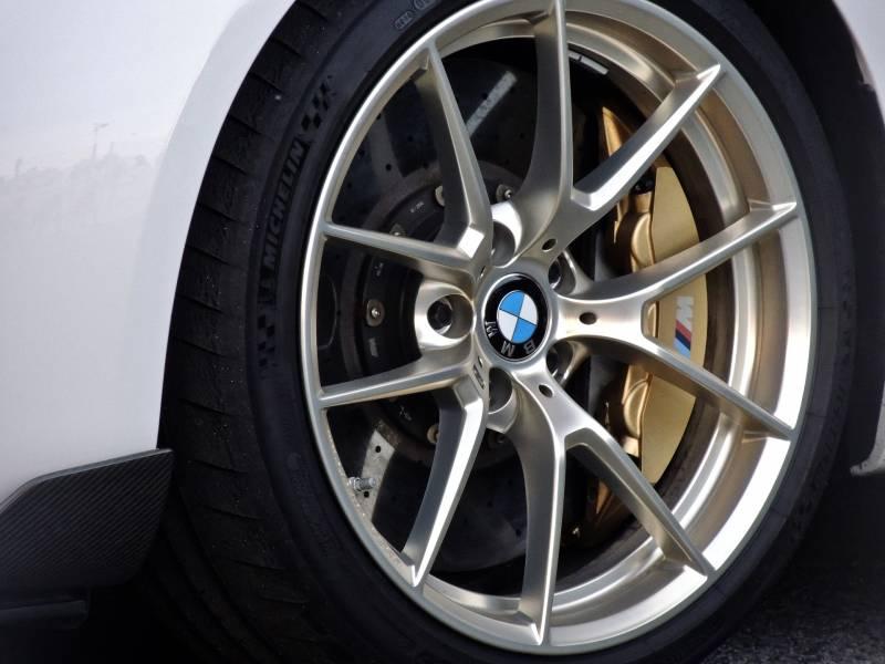 Centre de montage de pneus et garage automobile for Garage specialiste bmw 95